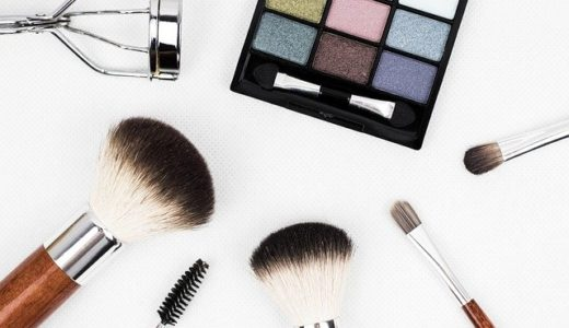 化粧品や化粧ブラシ