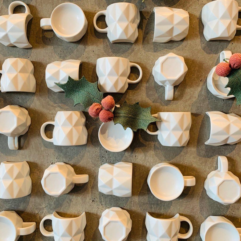 壁の装飾のマグカップ