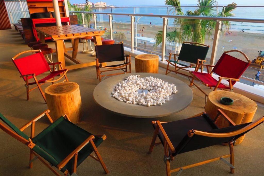 材木座テラスのカフェ